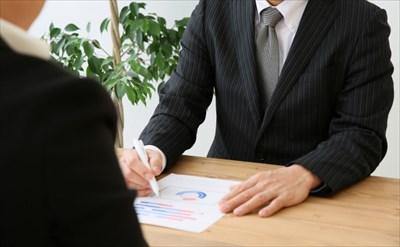 行政書士に申請手続きを依頼するメリット